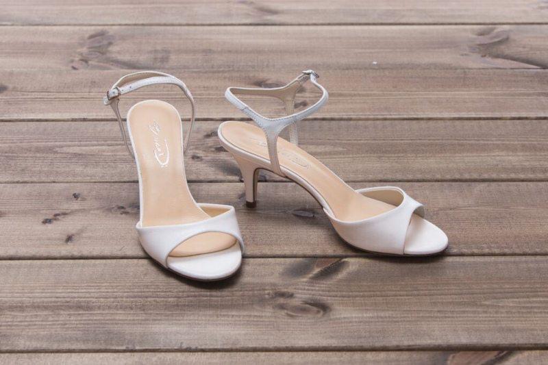 נעלי כלה עקב סטילטו נמוך
