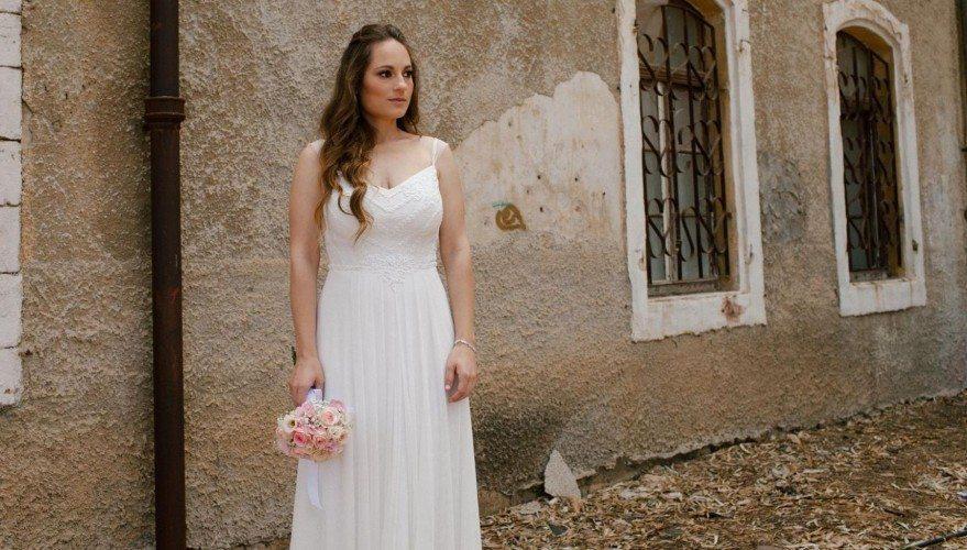 שמלת כלה עם רקמה