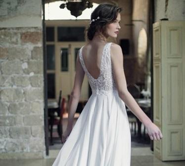 שמלת כלה עדינה מתחרה