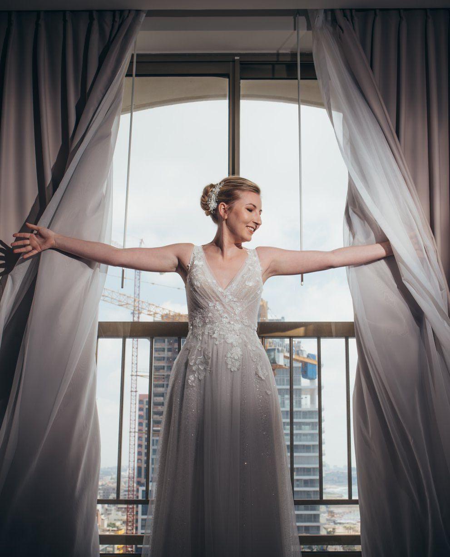 שמלת כלה גלאם יוקרתית