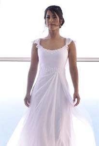 שמלת כלה קלאסית של ספיר