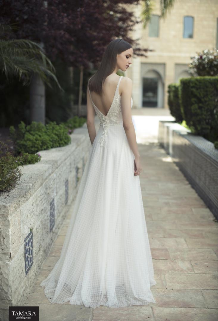 שמלות כלה פתוחות בגב