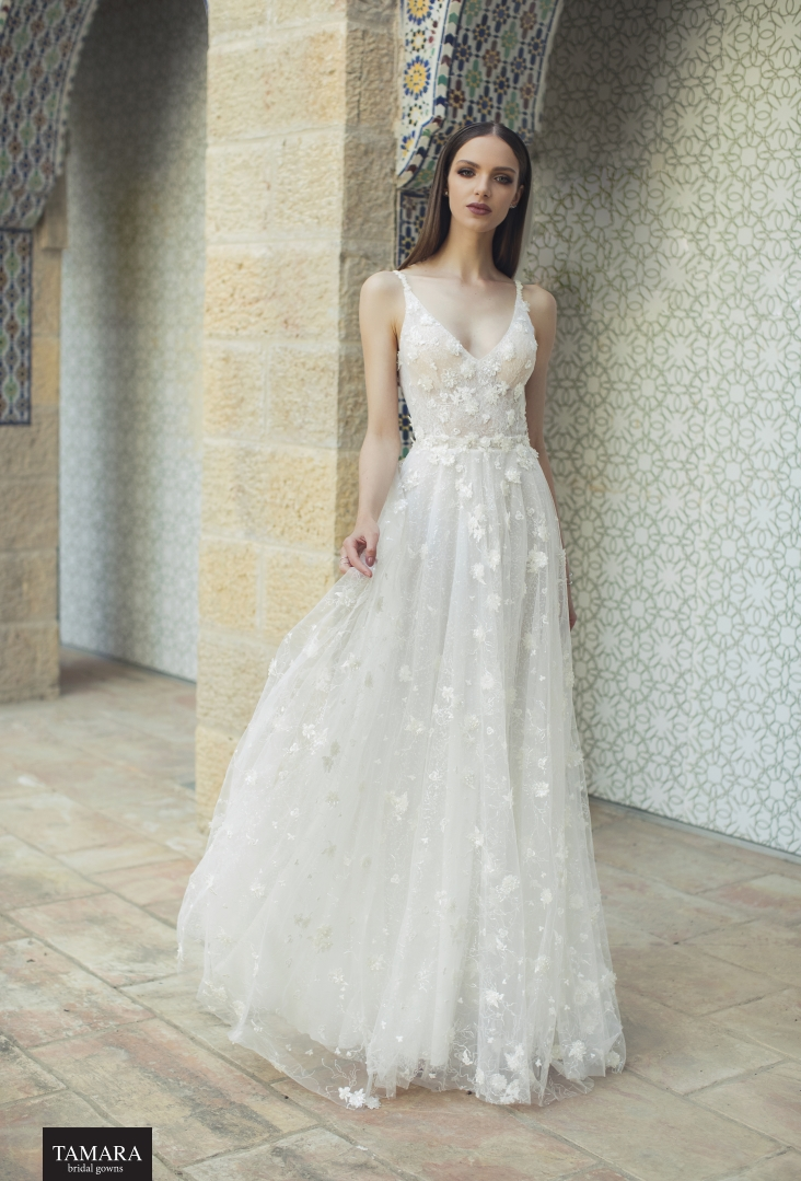 שמלת כלה עם פרחים