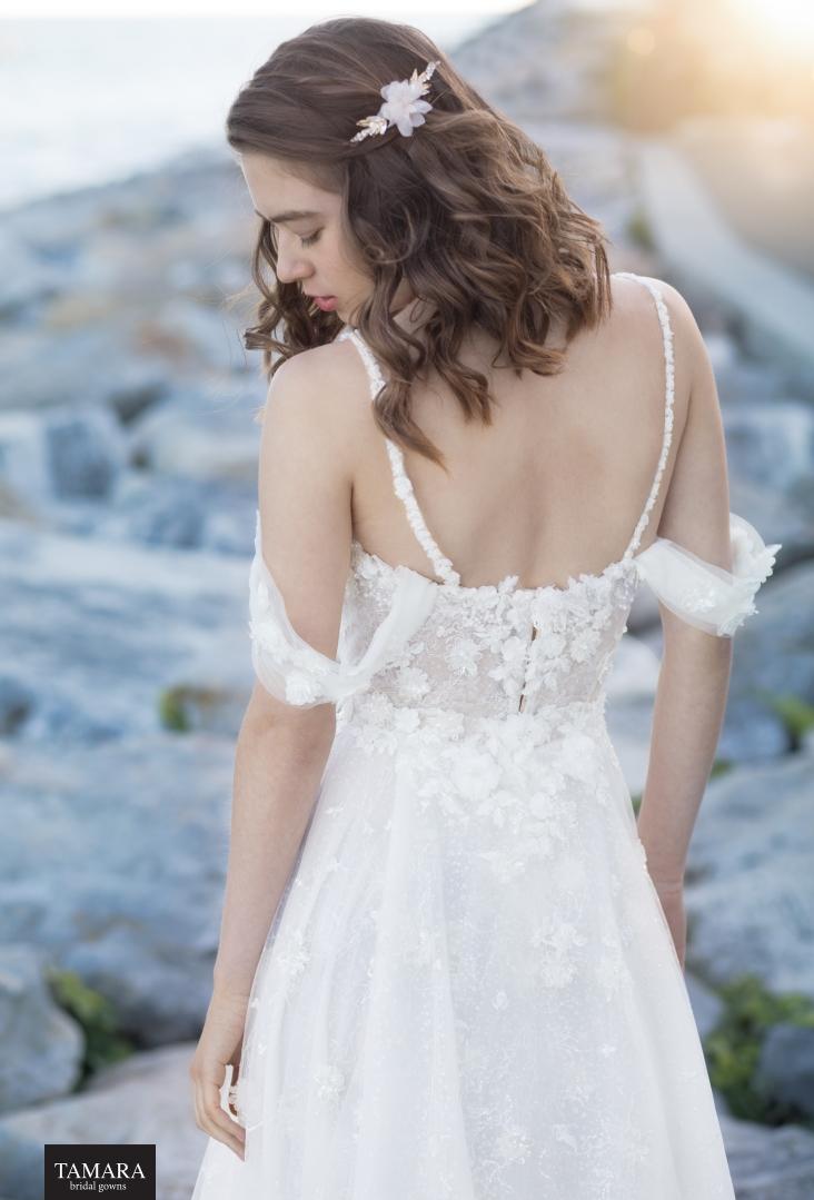 שמלת כלה עם אפקט תלת מימד