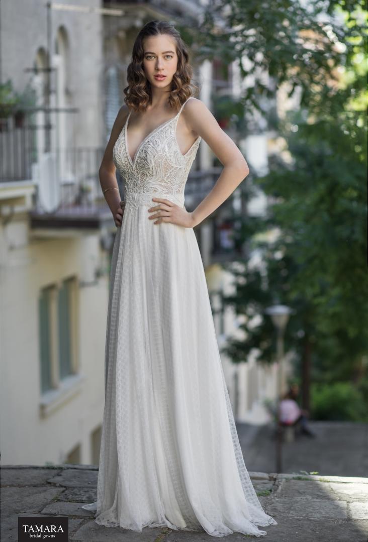 שמלת כלה עם כתפיות