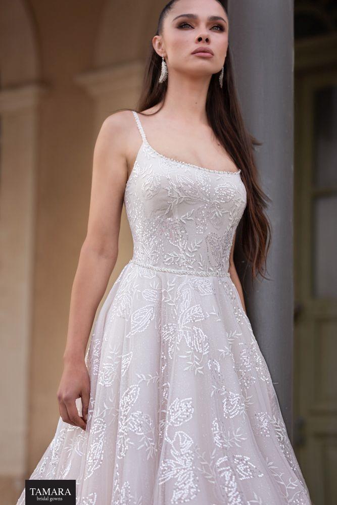 שמלת כלה לקאסית עם מחשוף
