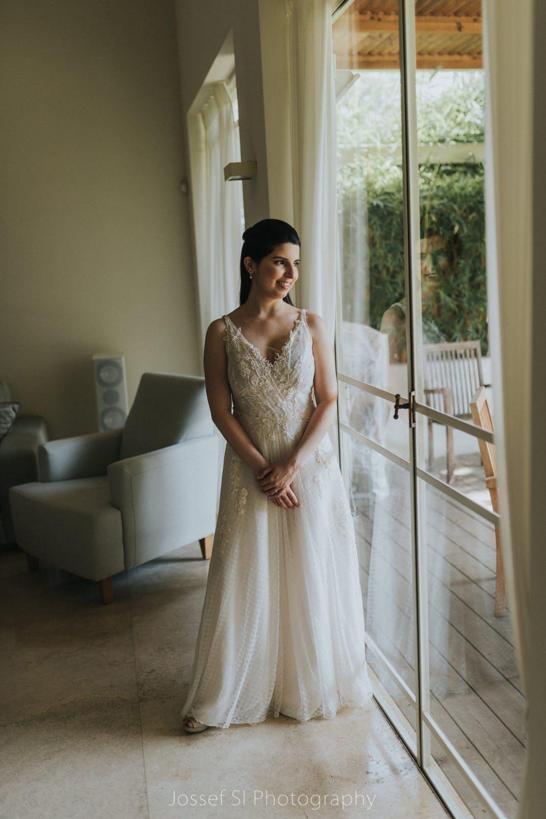 שמלת כלה קלאסית אלגנטית