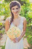 שמלת כלה רומנטית עם פרחים