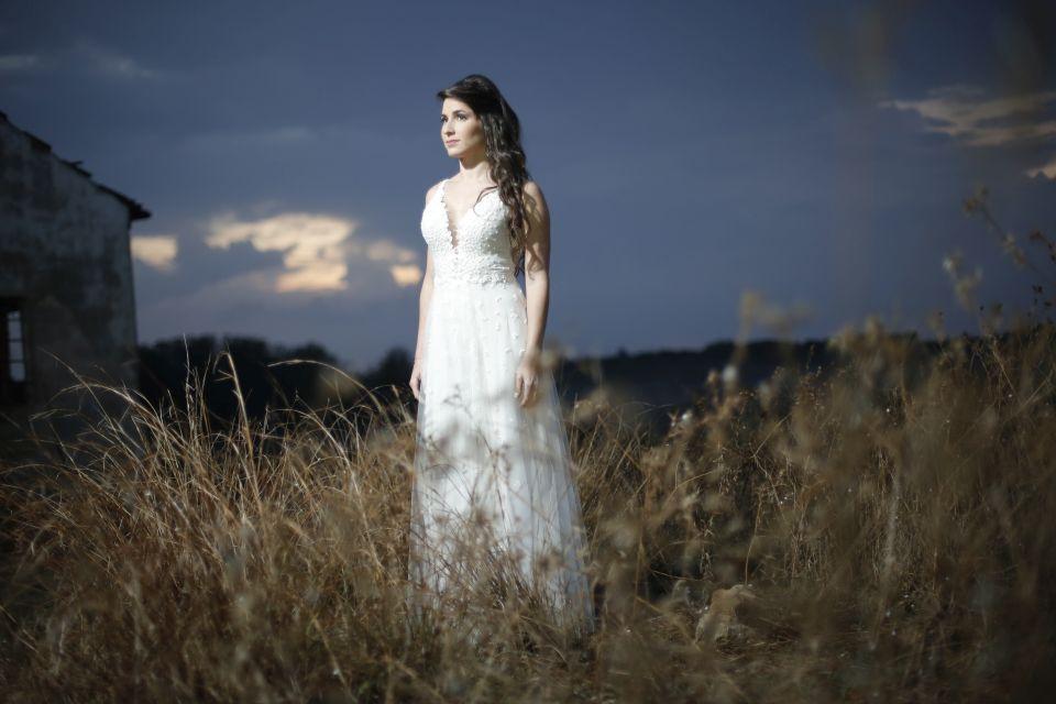 שמלת כלה רקומה חרוזים