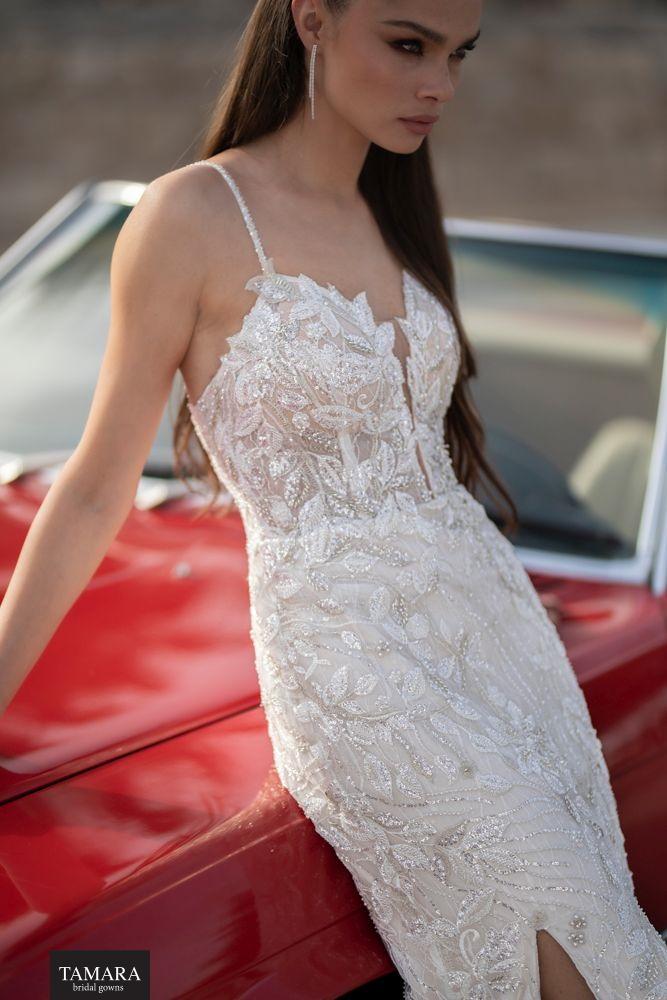 שמלת כלה קלאסית עם שסע