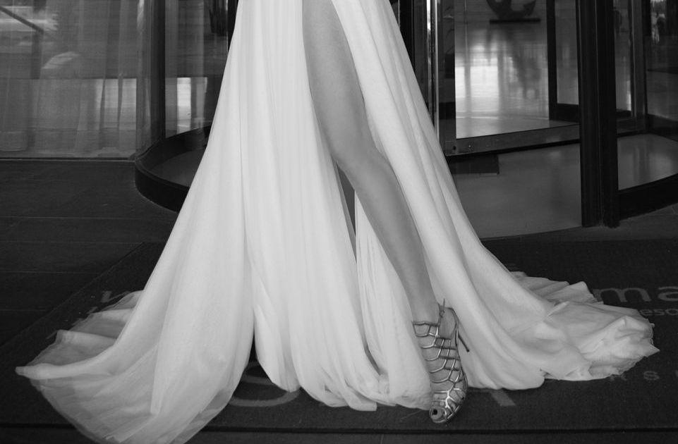שמלת כלה שסע