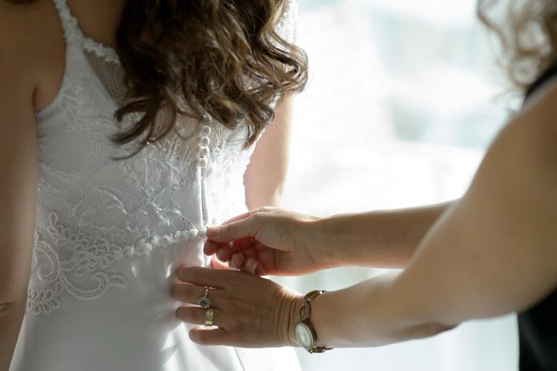 שמלת כלה נשית