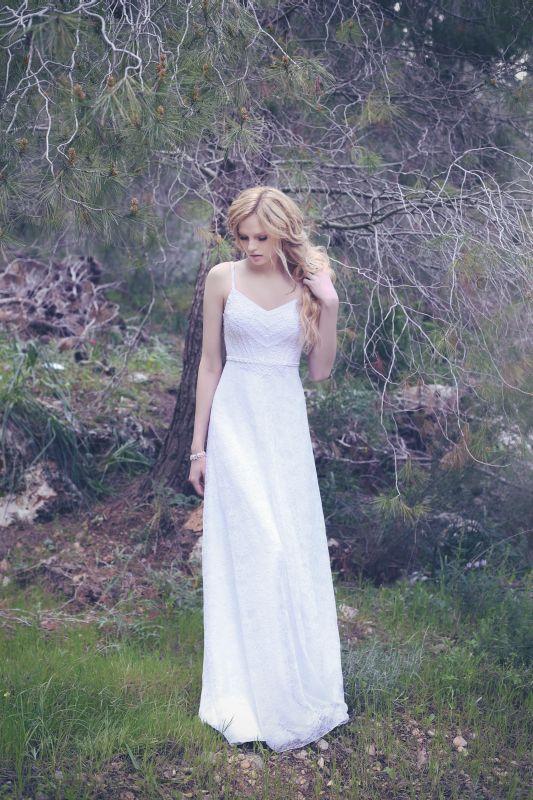 שמלת כלה פשוטה ויפה
