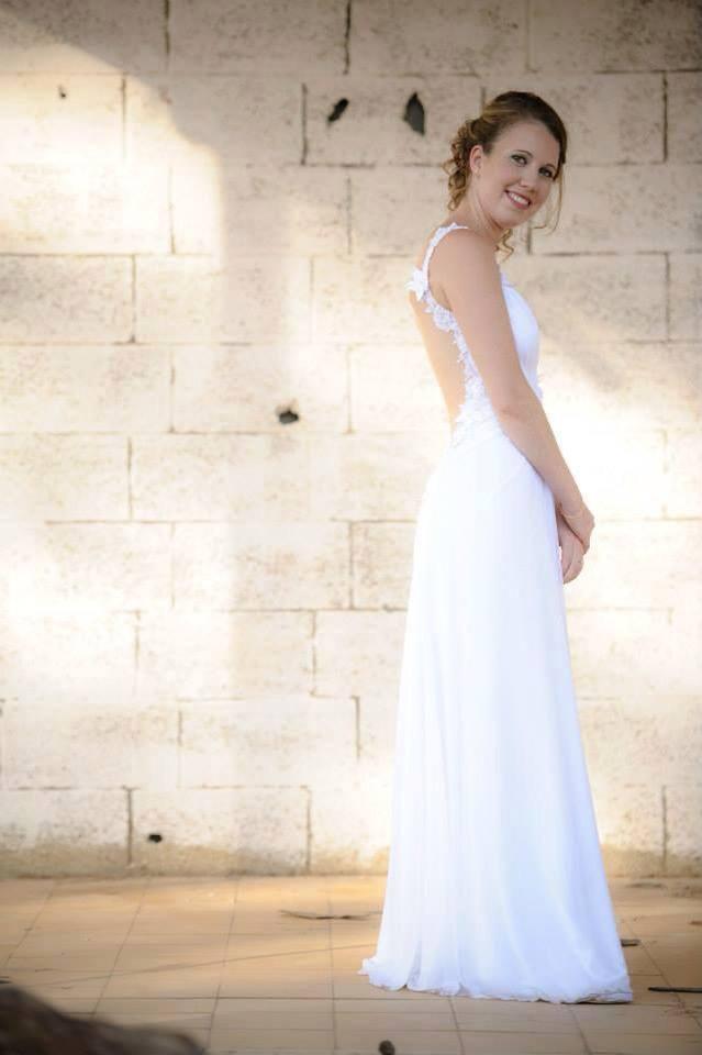 שמלת כלה קלאסית גב חשוף