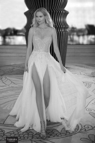 שמלת כלה עם שסעים