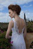 שמלת כלה תחרה עם גב חשוף