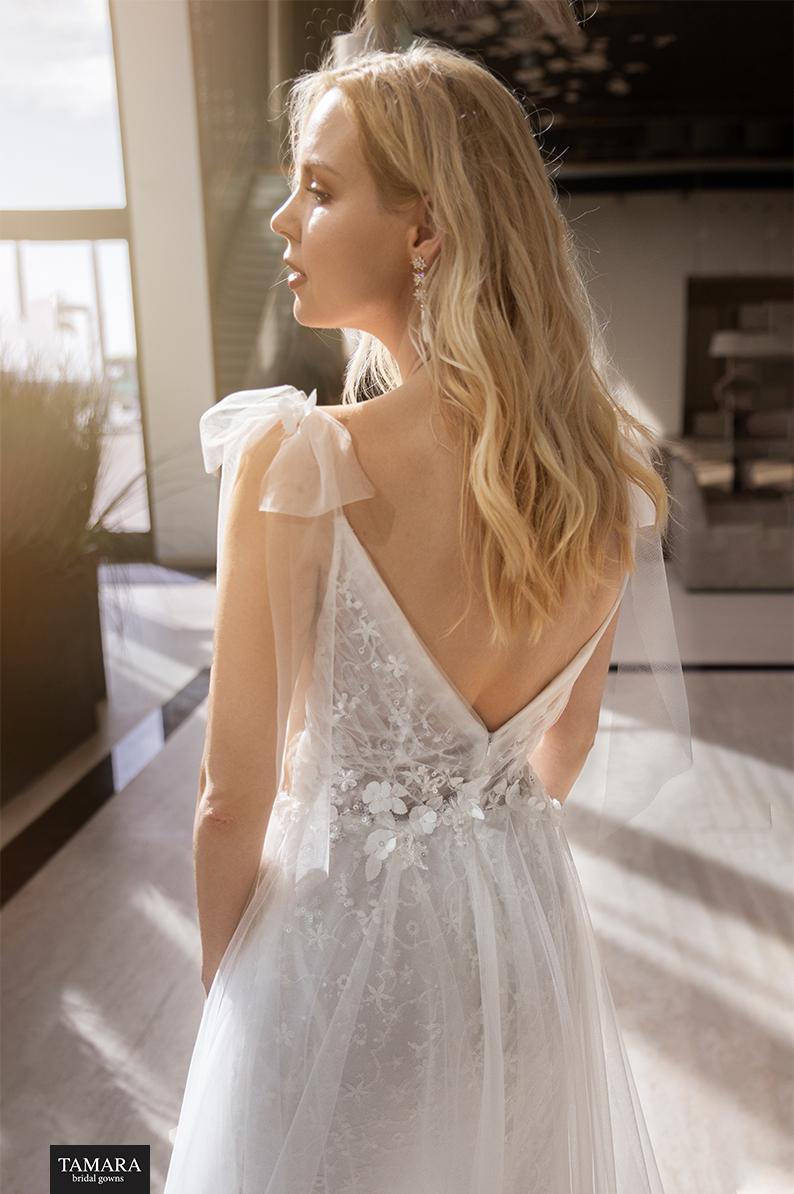 שמלת כלה מחשוף V אחורי