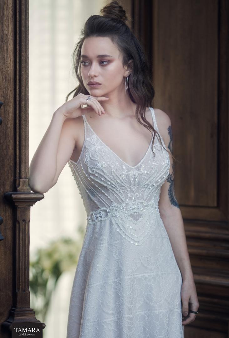 שמלת כלה - רקמה וכתפיות