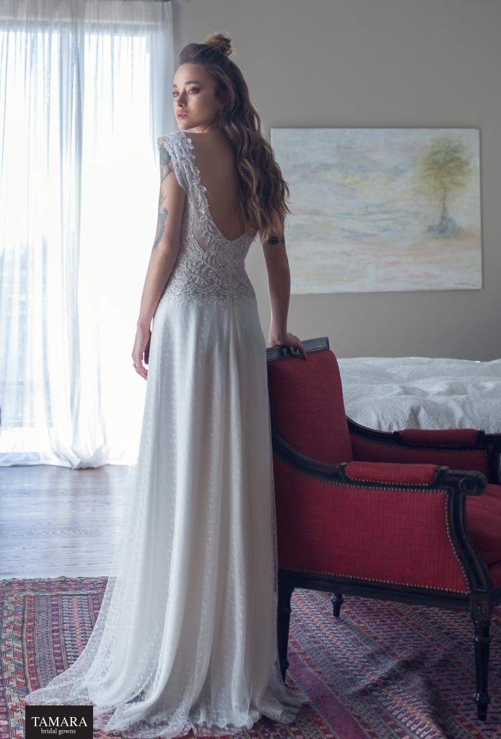 שמלת כלה אורבנית - גב חשוף