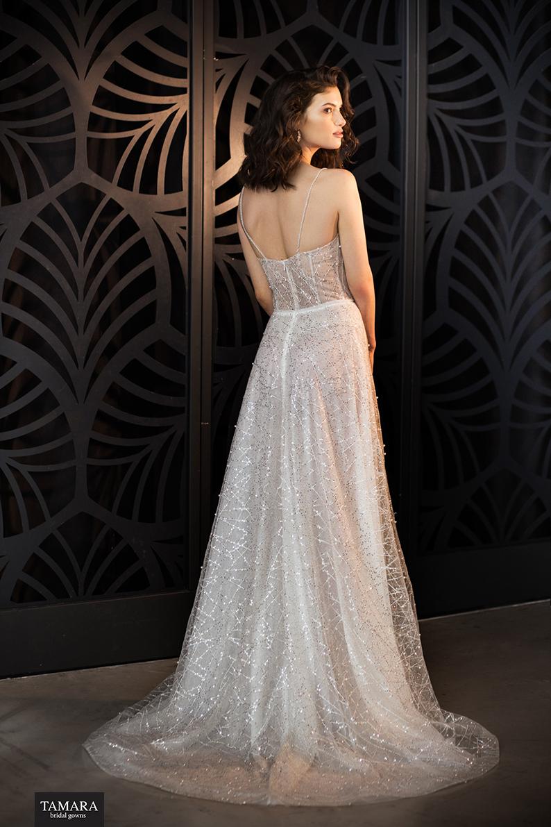 שמלת כלה נוצצת גב פתוח