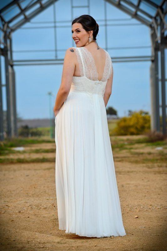 גב השמלה