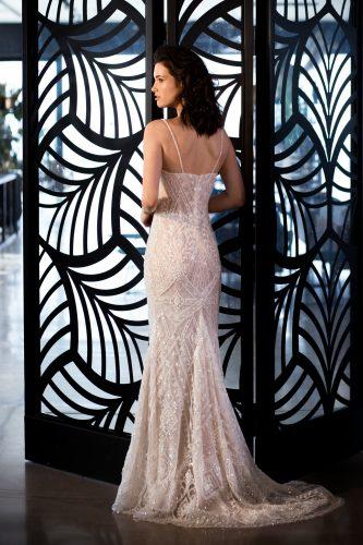 שמלת כלה גיאומטרית נוצצת