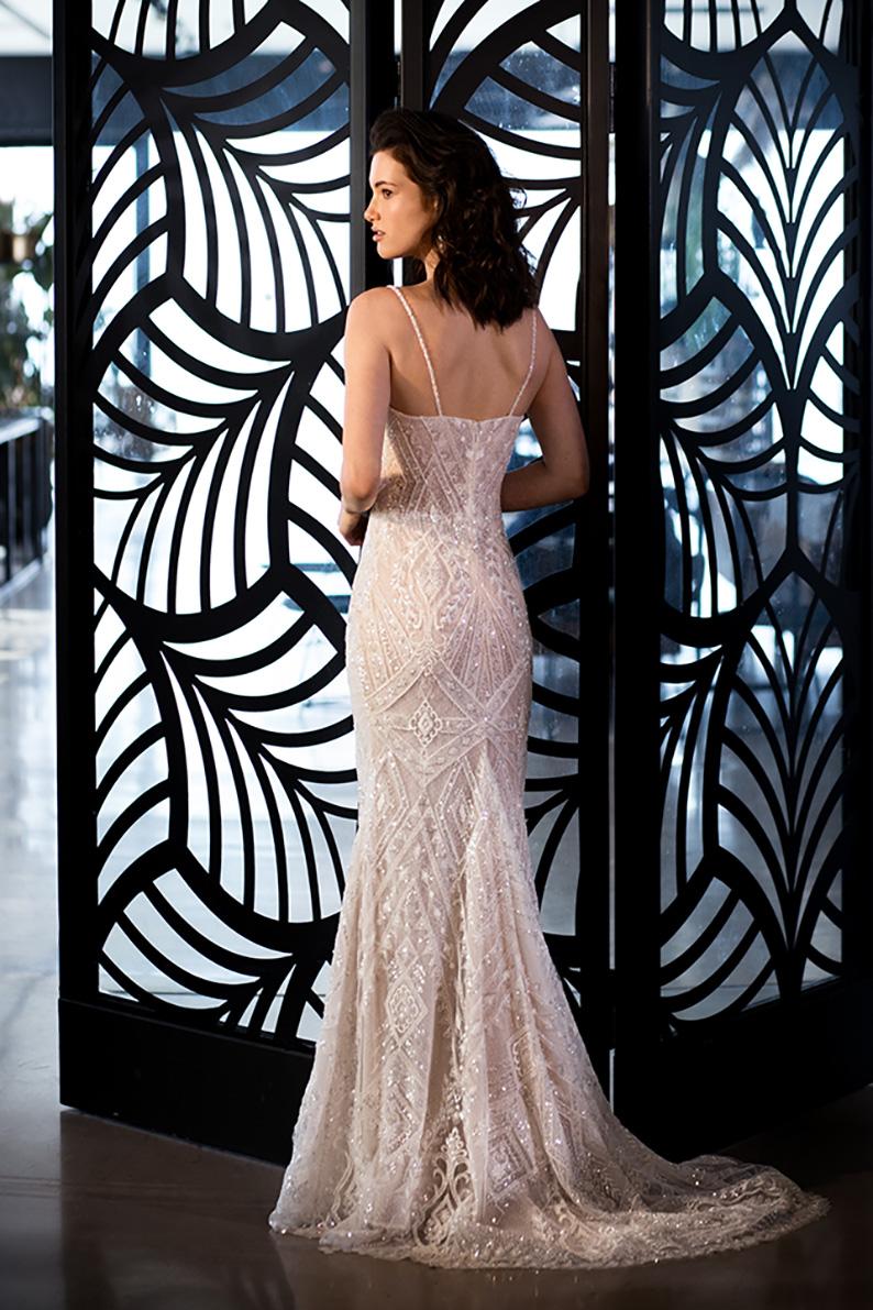 שמלת כלה שובל ארוך