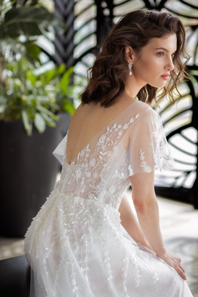 שמלת כלה שרוולים קצרים