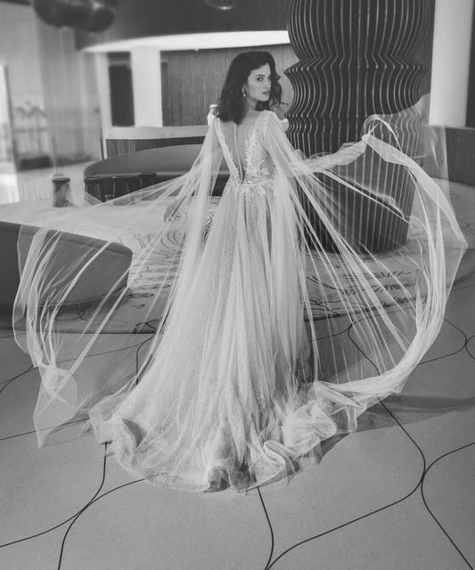 שמלת כלה בד נופל