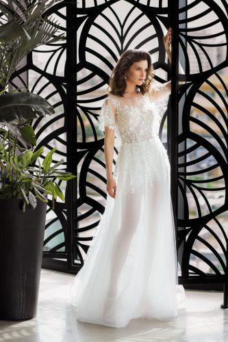 שמלת כלה שקופה עם פרחים