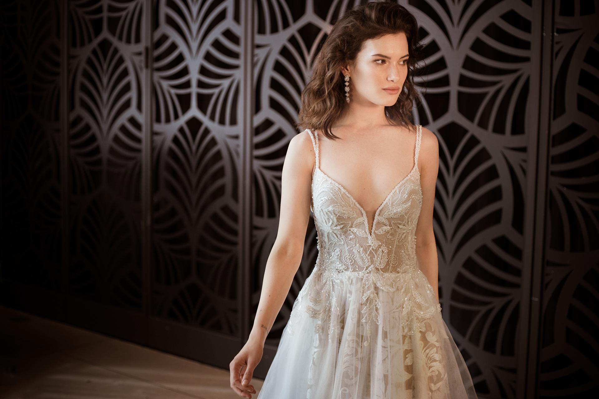 שמלת כלה נוצצת רקומה