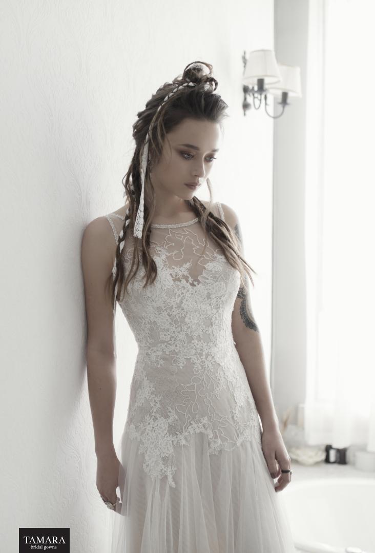 שמלת כלה תחרה גדולה